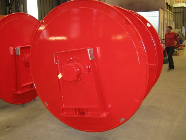 NET DRUM EQUIPPED WITH HYDRAULIC MOTOR INSIDE THE BARREL